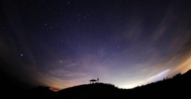 オリオン座流星群,見える方角,見える時間,ピーク,2019,観測スポット,穴場,四国,塩塚高原展望台