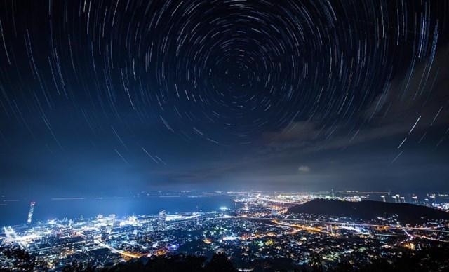 オリオン座流星群,見える方角,見える時間,ピーク,2019,観測スポット,穴場,四国,青の山